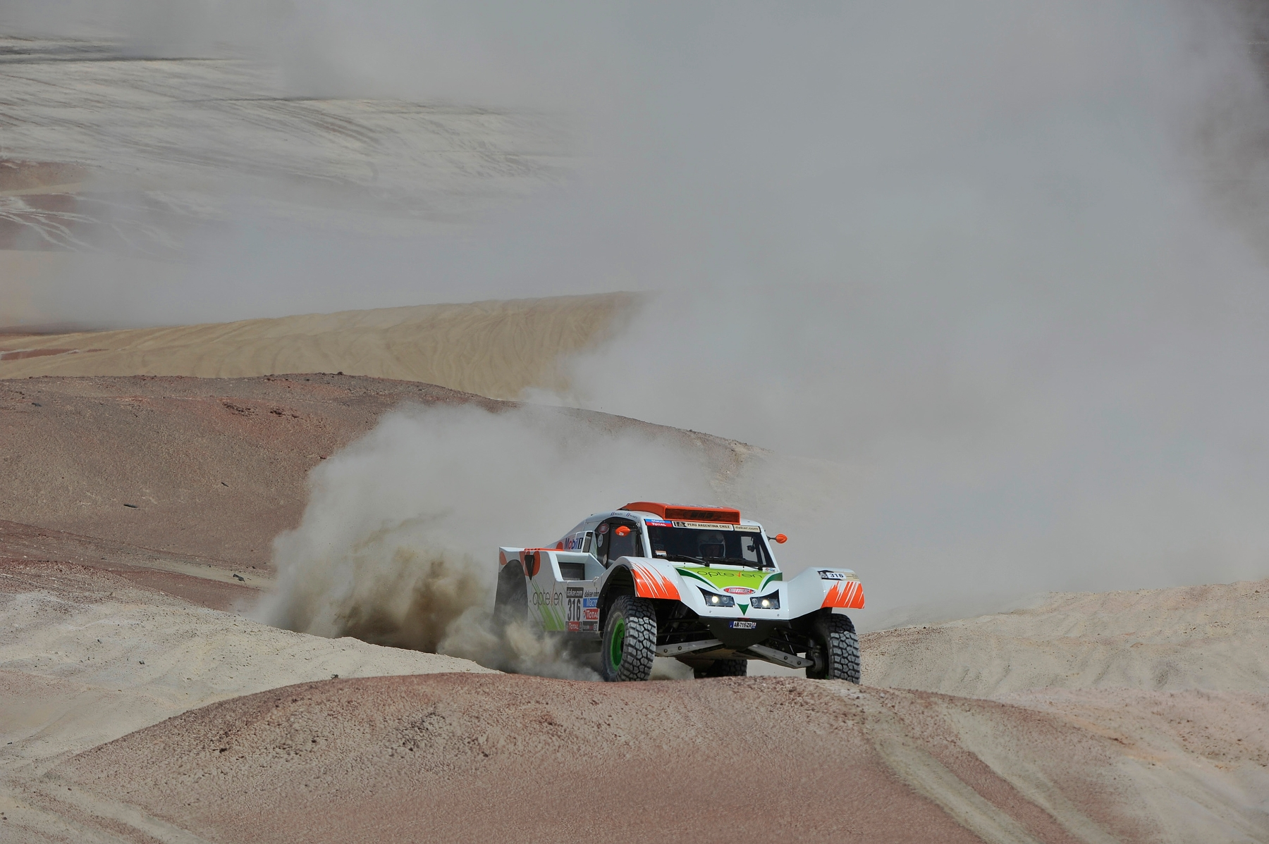 MOTORSPORT - DAKAR PERU CHILE ARGENTINA  2013 - STAGE 3 / ETAPE 3 - PISCO  (PER) TO NAZCA (PER) - 07/01/2013 - PHOTO : ERIC VARGIOLU / DPPI -  316 CHABOT RONAN ( FRANCE ) PILLOT GILLES ( FRANCE ) - SMG - TOYS MOTORS - SMG - ACTION