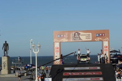 MOTORSPORT - DAKAR ARGENTINA CHILE PERU 2012 - SCRUTINEERING - MAR DEL PLATA (ARG) - 29 TO 31/11/2011- PHOTO: DPPI