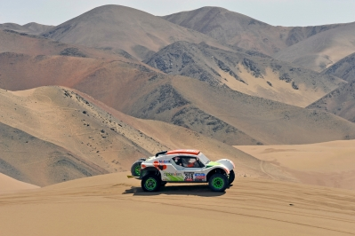 MOTORSPORT - DAKAR PERU CHILE ARGENTINA  2013 - STAGE 6 / ETAPE 6 - ARICA (CHI) TO CALAMA (CHI) - 10/01/2013 - PHOTO : ERIC VARGIOLU / DPPI -  316 CHABOT RONAN ( FRANCE ) PILLOT GILLES ( FRANCE ) - SMG - TOYS MOTORS - SMG - ACTION