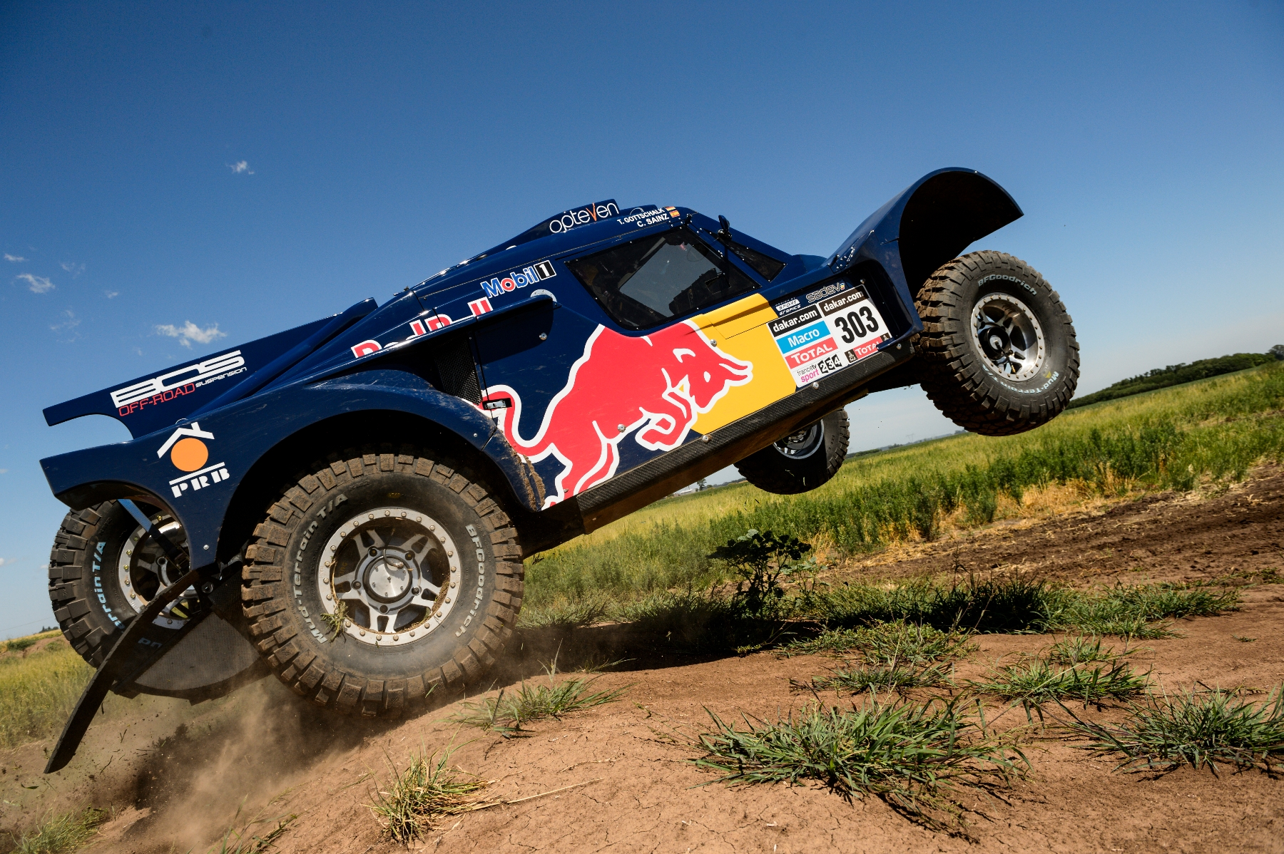Carlos Sainz (driver) and Timo Gottschalk (co-driver) test the car prior Dakar Rally in Rosario, Argentina on January 3nd, 2014
