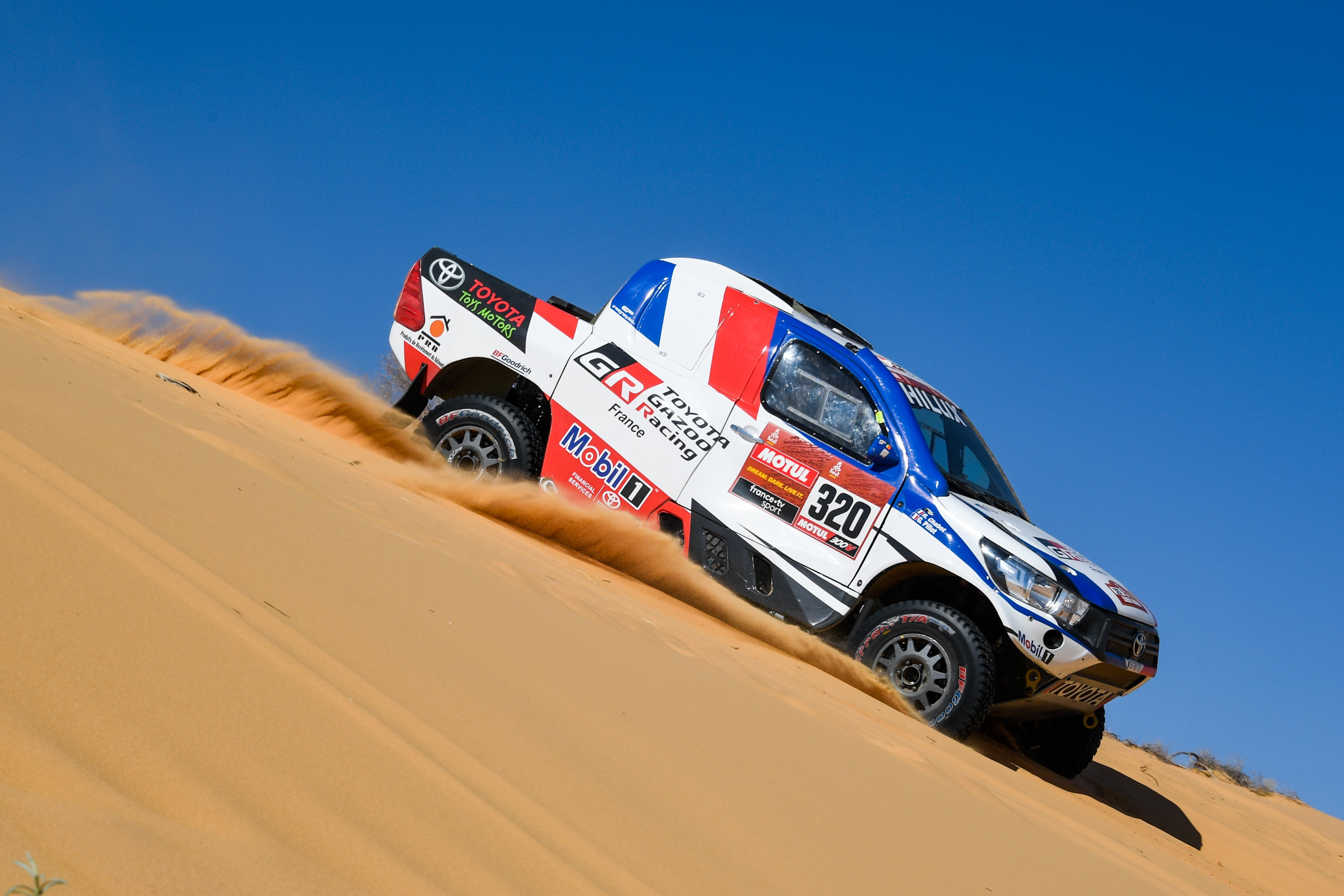 320 Chabot Ronan (fra), Pillot Gilles (fra), Toyota Hilux, Overdrive Toyota, Auto, Car, action during Stage 5 of the Dakar 2020 between Al Ula and Ha'il, 563 km - SS 353 km, in Saudi Arabia, on January 9, 2020 - Photo Eric Vargiolu / DPPI
