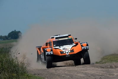 320 CHABOT Ronan (Fra) PILLOT Gilles (Fra) Smg action during the Dakar 2015 Argentina Bolivia Chile, Stage 1 / Etape 1 -  Buenos Aires to Villa Carlos Paz on January 4th 2015 at Buenos Aires, Argentina. Photo Eric Vargiolu / DPPI