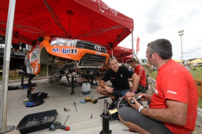 316 CHABOT Ronan (fra) PILLOT Gilles (fra) TOYOTA ambiance during the Dakar 2016 Argentina,  Bolivia, Etape 7 - Stage 7, Uyuni - Salta,  from  January 9, 2016 - Photo Eric Vargiolu / DPPI