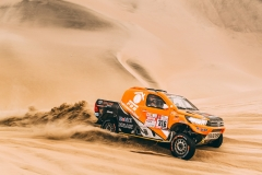 316 CHABOT RONAN (FRA) Legende, PILLOT GILLES (FRA) Legende, TOYOTA Hilux, auto, car, action during the Dakar 2018, Stage 2 Pisco to Pisco, Peru, on january 7 - Photo Eric Vargiolu / DPPI