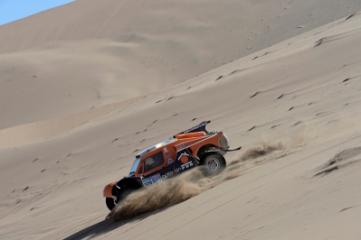 320 CHABOT Ronan (Fra) PILLOT Gilles (Fra) Smg action during the Dakar 2015 Argentina Bolivia Chile, Stage 4 / Etape 4 -  Chilecito to Copiapo on January 7th 2015 at Chilecito, Argentina. Photo Eric Vargiolu / DPPI
