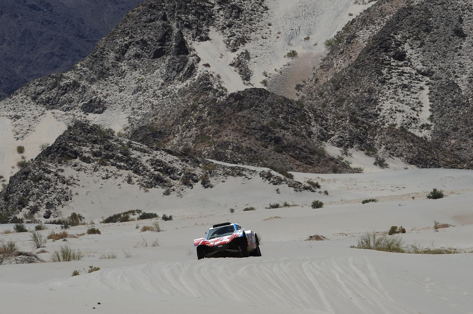 AUTO - DAKAR 2011 RACE PART 2