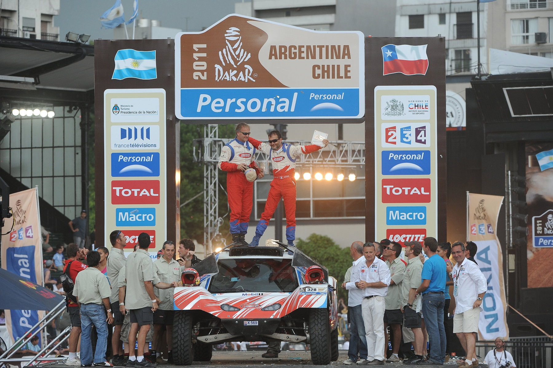 AUTO - DAKAR 2011 RACE PART 2