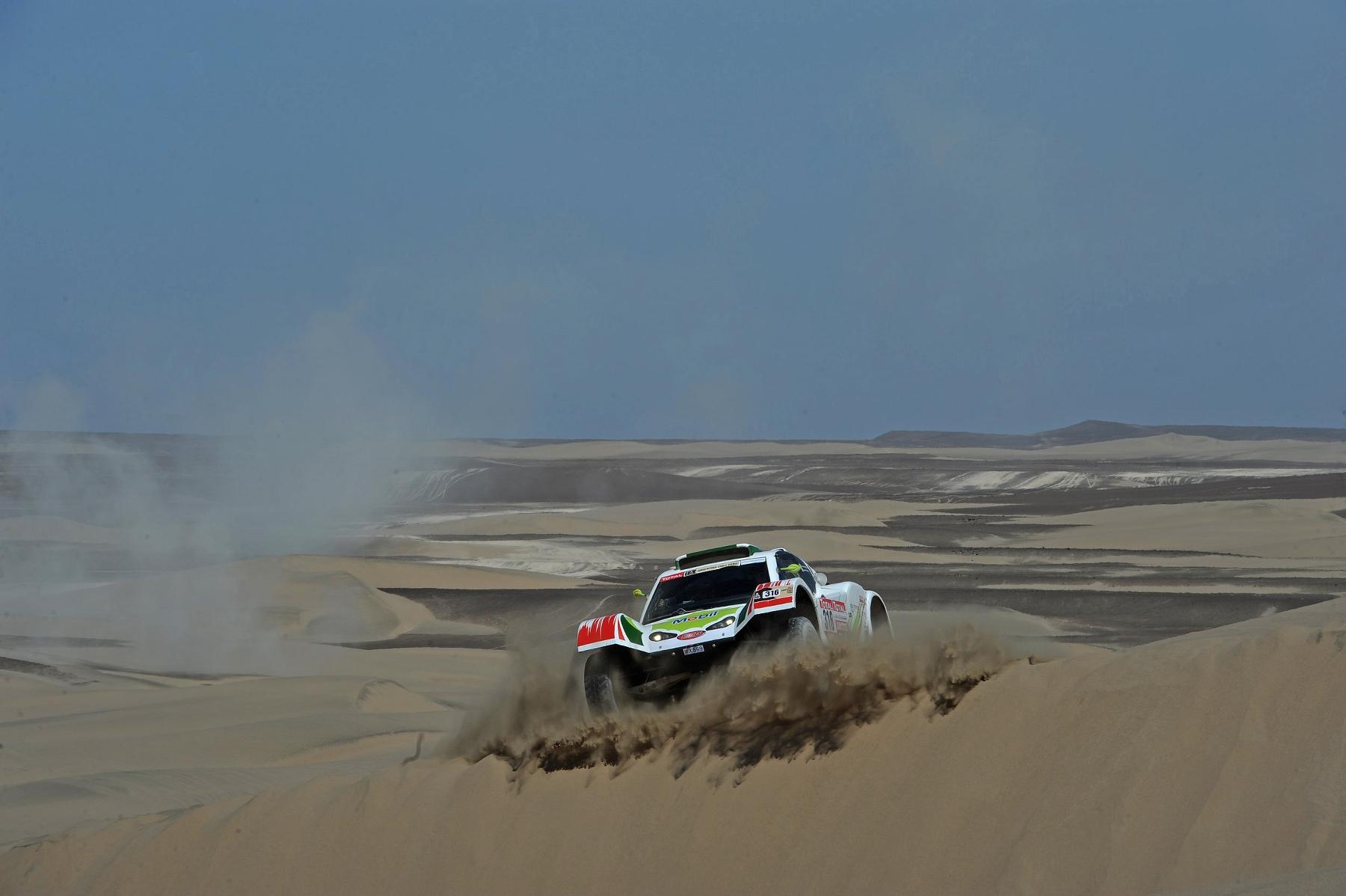 MOTORSPORT - DAKAR ARGENTINA CHILE PERU 2012 - STAGE 13 - NASCA (PER) TO PISCO (PER) - 14/01/2012 - PHOTO: ERIC VARGIOLU / DPPI