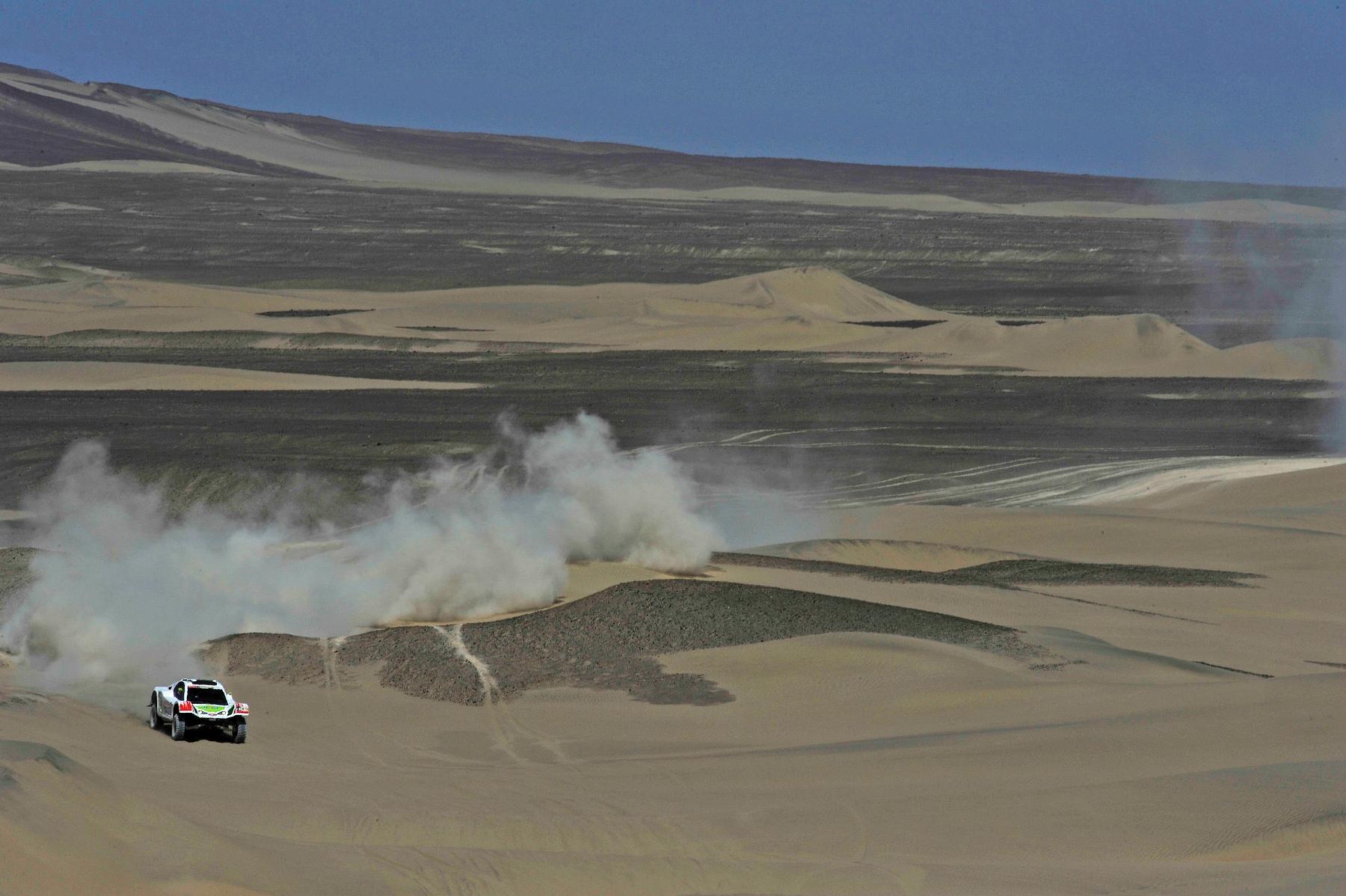 MOTORSPORT - DAKAR ARGENTINA CHILE PERU 2012 - STAGE 13 - NASCA (PER) TO PISCO (PER) - 14/01/2012 - PHOTO: DPPI
