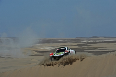MOTORSPORT - DAKAR ARGENTINA CHILE PERU 2012 - STAGE 13 - NASCA (PER) TO PISCO (PER) - 14/01/2012 - PHOTO: ERIC VARGIOLU / DPPI